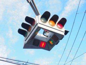 テレビで紹介された仙台ご当地信号機!今後なくなるかも?UFOのような四角い信号機設置の理由