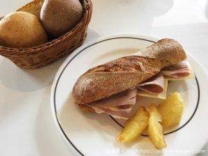 泉パークタウン「キャスロン」の天然酵母パンと無添加にこだわるベーカリーレストランでランチ