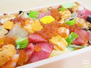 Wolt仙台で「寿司処こうや」の人気テイクアウト2種類を注文してみた!これぞ海鮮の宝石箱